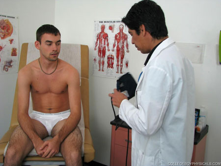 Gay Doctor : high school Boy Physicals – Keith!